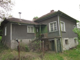 Stoevtsi, Country Property