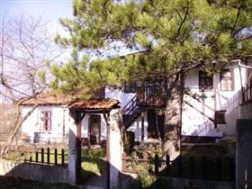 Image No.1-Propriété de 3 chambres à vendre à Dve Mogili