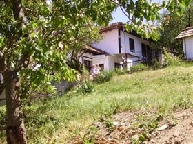 Image No.3-Propriété de 3 chambres à vendre à Dve Mogili