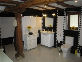 Image No.23-6 Bed House for sale