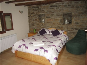Image No.26-6 Bed House for sale