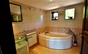 Image No.16-8 Bed Country Property for sale