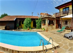 Image No.6-8 Bed Country Property for sale