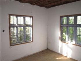 Image No.7-Propriété de 5 chambres à vendre à Veliko Tarnovo