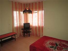 Image No.3-2 Bed Property for sale