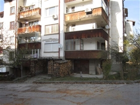 Image No.1-Propriété de 2 chambres à vendre à Tryavna