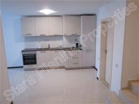 Image No.2-Maison de ville de 3 chambres à vendre à Veliko Tarnovo