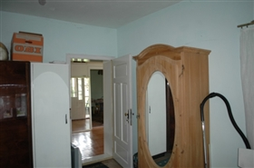 Image No.12-2 Bed Property for sale