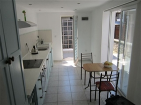 Image No.5-1 Bed Townhouse for sale
