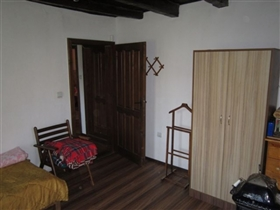 Image No.23-3 Bed Country Property for sale