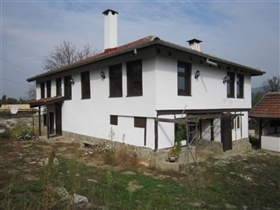 Gabrovo, Property
