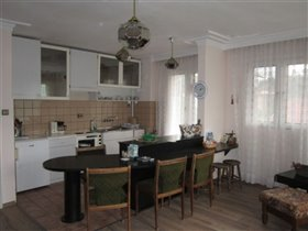 Image No.10-2 Bed Property for sale