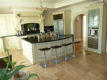 inside-looking-to-kitchen-copy