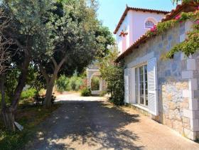 Image No.2-Maison de 4 chambres à vendre à Pera Melana