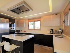 Image No.11-Maison / Villa de 4 chambres à vendre à Tolo