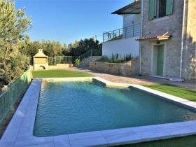 Image No.0-Maison / Villa de 4 chambres à vendre à Xeropigado