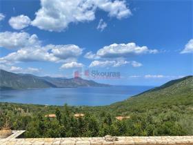 Image No.2-Maison / Villa de 4 chambres à vendre à Tyros