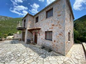 Image No.4-Maison / Villa de 4 chambres à vendre à Tyros