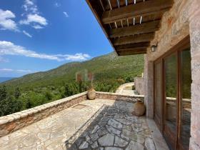 Image No.10-Maison / Villa de 4 chambres à vendre à Tyros