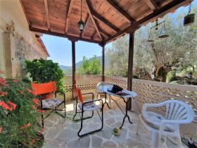 Image No.4-Maison / Villa de 2 chambres à vendre à Tyros