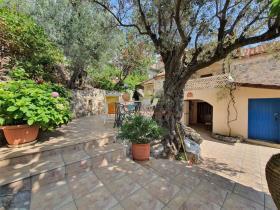 Image No.9-Maison / Villa de 2 chambres à vendre à Tyros