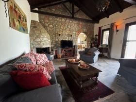 Image No.5-2 Bed Villa / Detached for sale