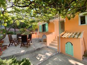 Image No.0-Maison / Villa de 3 chambres à vendre à Petalidi