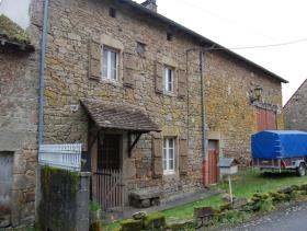 Saint-Léger-Magnazeix, Village House