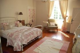 Image No.10-Châteaux de 9 chambres à vendre à Compreignac