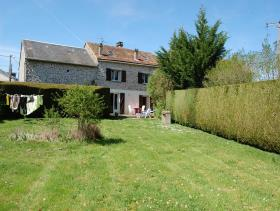 Bessines-sur-Gartempe, Country House
