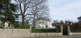 Saint-Sulpice-les-Feuilles, House