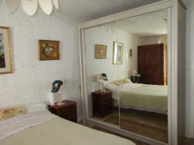 Image No.8-1 Bed House for sale