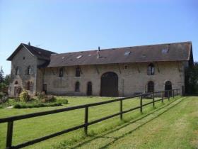 Asnois, Farmhouse