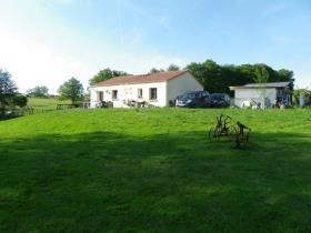 Image No.2-Maison de 3 chambres à vendre à Saint-Amand-Magnazeix