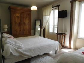 Image No.18-Châteaux de 11 chambres à vendre à Saint-Maigrin