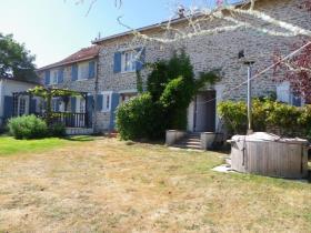 Saint-Sornin-Leulac, House
