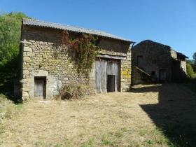 Saint-Sornin-Leulac, Barn