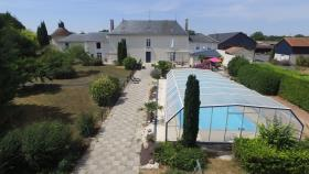 Image No.0-Châteaux de 19 chambres à vendre à Marigny-Brizay