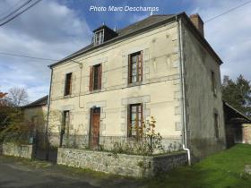 Image No.0-Maison de 4 chambres à vendre à Chénérailles