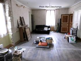 Image No.4-Maison de 4 chambres à vendre à Chénérailles