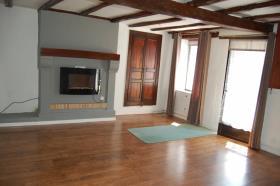Image No.9-Maison de 2 chambres à vendre à Berneuil