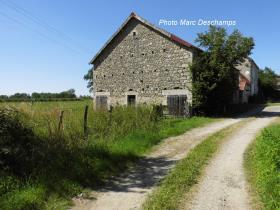 Image No.7-Maison de campagne de 4 chambres à vendre à Chénérailles