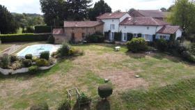 Image No.0-Maison de 10 chambres à vendre à Saint-Junien