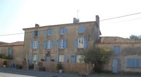 Image No.1-Maison de 8 chambres à vendre à Gajoubert