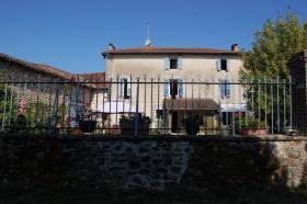 Image No.3-Maison de 8 chambres à vendre à Gajoubert