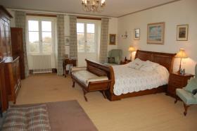 Image No.22-Châteaux de 7 chambres à vendre à Oradour-Saint-Genest