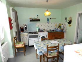 Image No.2-Maison / Villa de 4 chambres à vendre à Lavaveix-les-Mines
