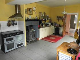 Image No.1-Maison de campagne de 5 chambres à vendre à La Chapelle-Saint-Martial