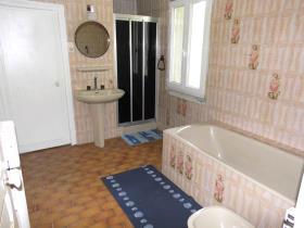 Image No.4-Maison de campagne de 5 chambres à vendre à La Chapelle-Saint-Martial