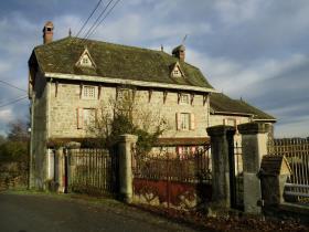 Image No.0-Maison de campagne de 4 chambres à vendre à Vallière